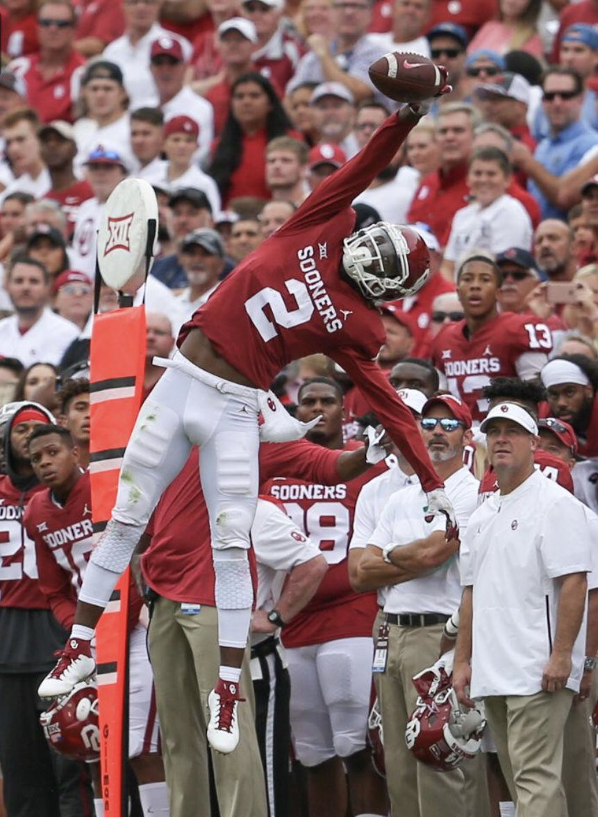 All Glory to God! Blessed to receive an offer from Oklahoma University, BMER! #OUDNA @BrandonHuffman @HeirFootball @RegJones20 @SteillyFB @CoachSimmonsOU<br>http://pic.twitter.com/ZFMVwFVk2U