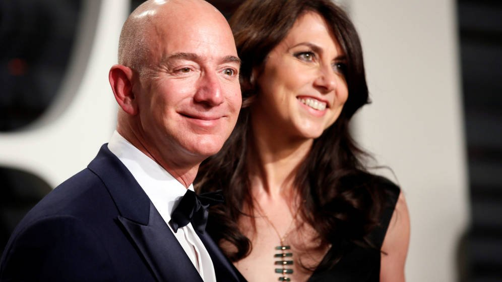 Víctor's photo on Jeff Bezos