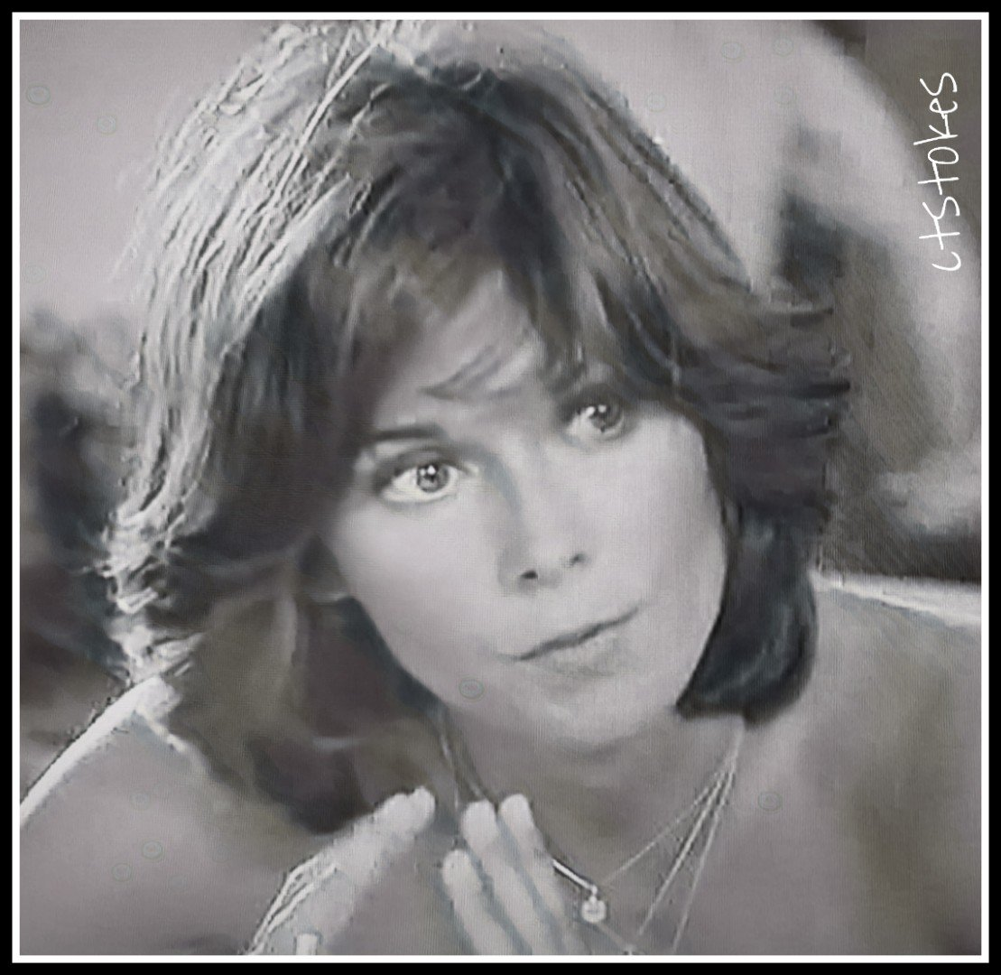 TGIF  May everyone have a nice weekend!  #KateJackson<br>http://pic.twitter.com/6K6BfY2dXx