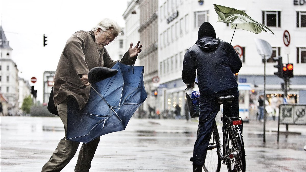 """Learning #Danish   """"Hold på hat og briller!"""" / Hold on to your hats and glasses!   It's rather windy and wet in #Copenhagen this weekend. Enjoy it!   #TGIF 