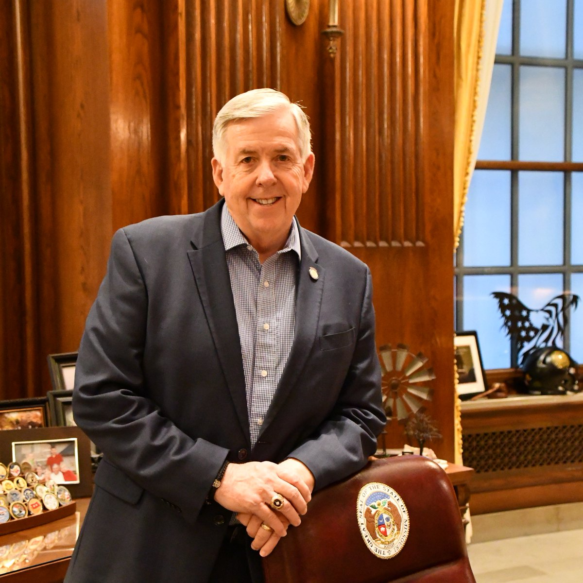 Governor Mike Parson's photo on #WearBlueDay