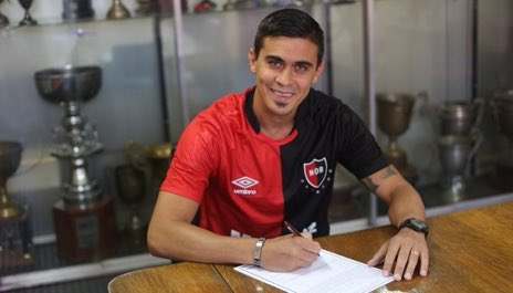 Newell's Old Boys - English's photo on Emanuel Biancucchi