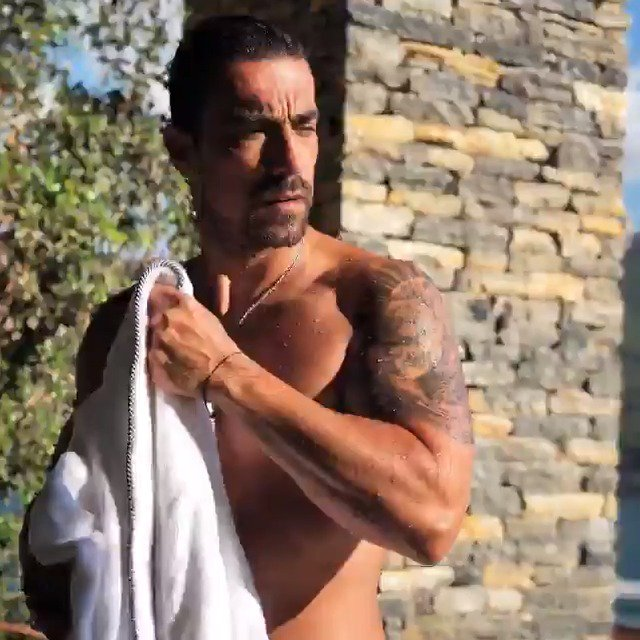 El hombre con el que el 75% de las mujeres turcas engañarían a sus maridos. ¿Pensarán lo mismo las argentinas?  . . . Conocé al protagonista de #AmoresCruzados, la nueva novela turca que podés disfrutar por eltrece.