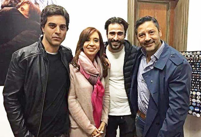 ProgreFacho's photo on Carla Lescano