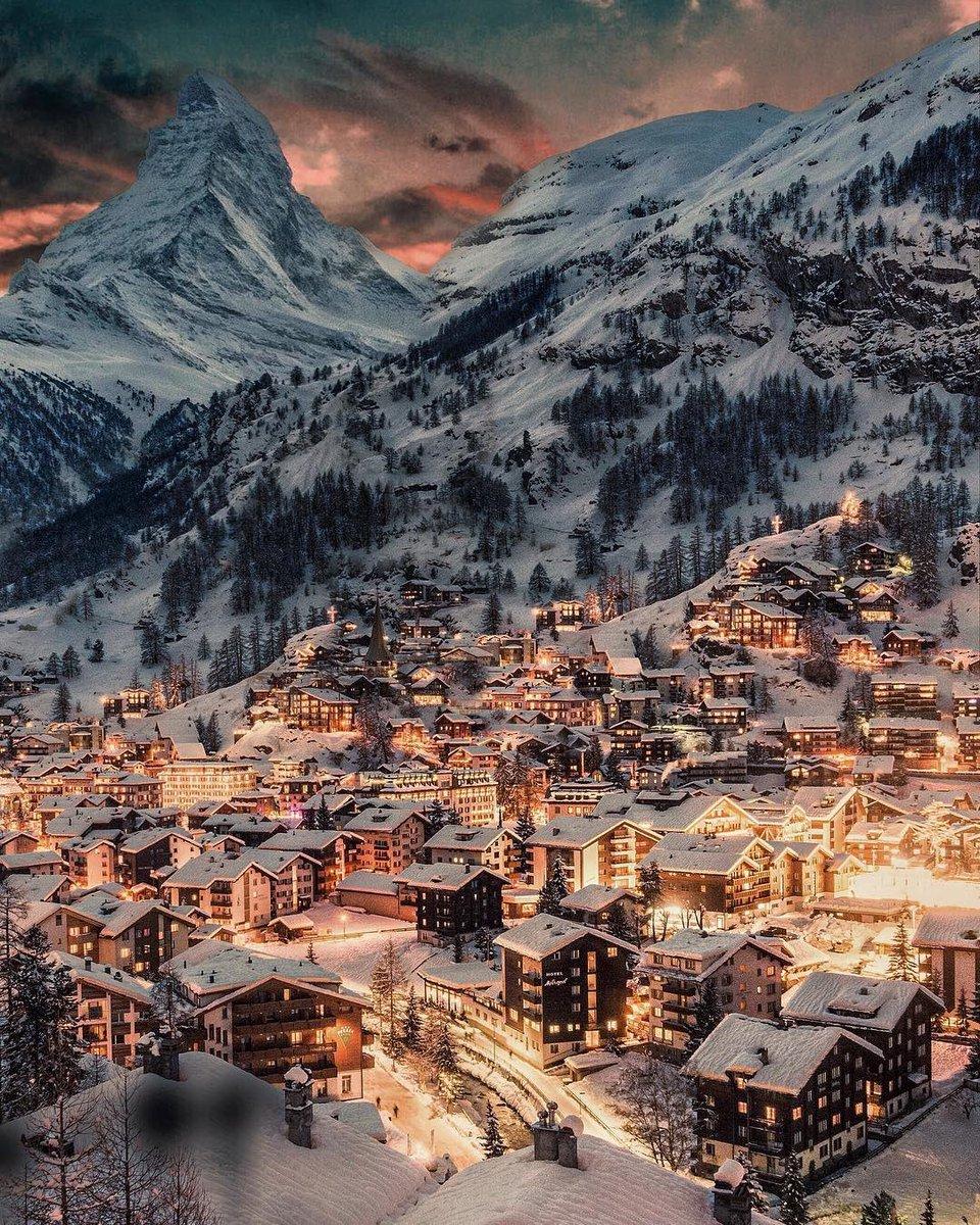 A glowing winter night in Zermatt, Switzerland 🇨🇭 | Photo by Veronique Yang