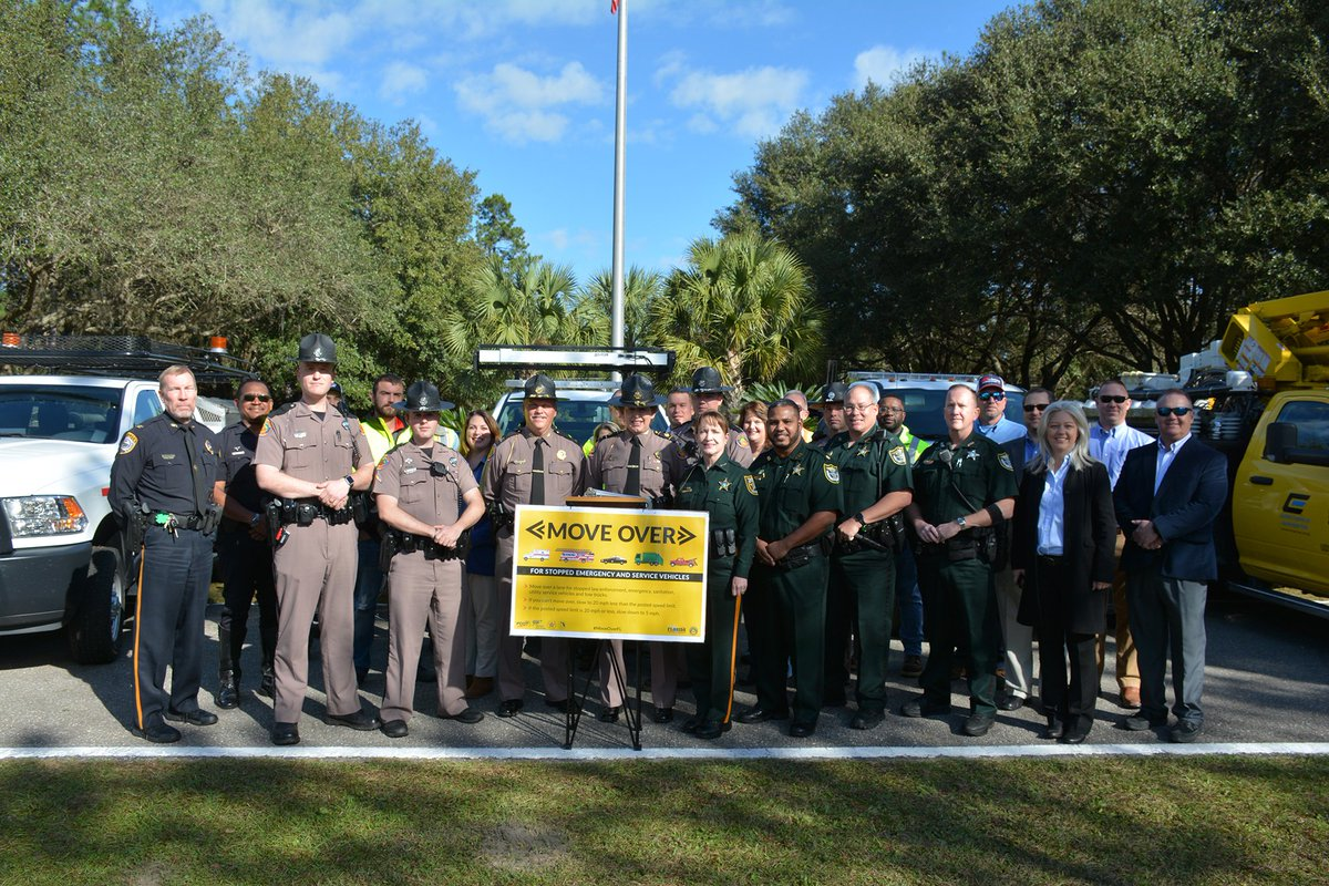"""FHP Press Conference highlights the importance of the Fla Move Law, for private sector services vehicles and  emergency vehicles. The Participants message was unanimous: """"eliminate distractions, watch for flashing lights &amp; be prepared to slow down or #MoveOverFl"""" .<br>http://pic.twitter.com/i2Oaq25L1z"""