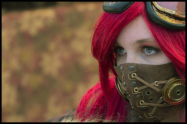 Whaat?? Astonishing colors!! One of the most impressive steampunk cosplay I've seen in a long time!! Our steampunk pic of the day is Constance by Kip Soep.  #steampunk #cosplay #style  #steampunkoutfits #steampunkmasks #cool #Fridaypic #picoftheday