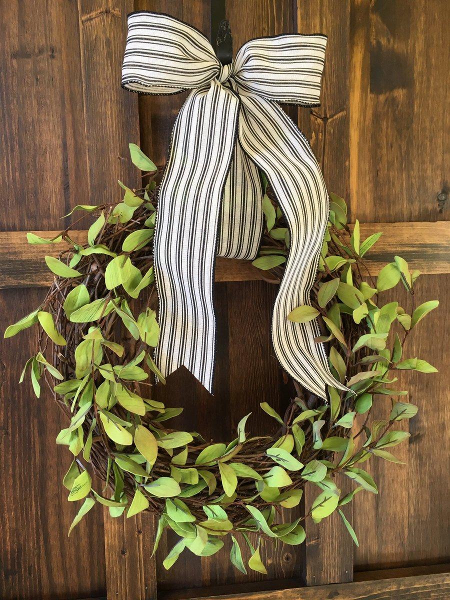 New Listings to my Farmhouse Collection!! #FarmhouseDecor #countrylife #homedecor #HandmadeDecor #etsy #weddingdecor #giftideas    http:// helenashome.etsy.com  &nbsp;  <br>http://pic.twitter.com/kqcBnH0DRW