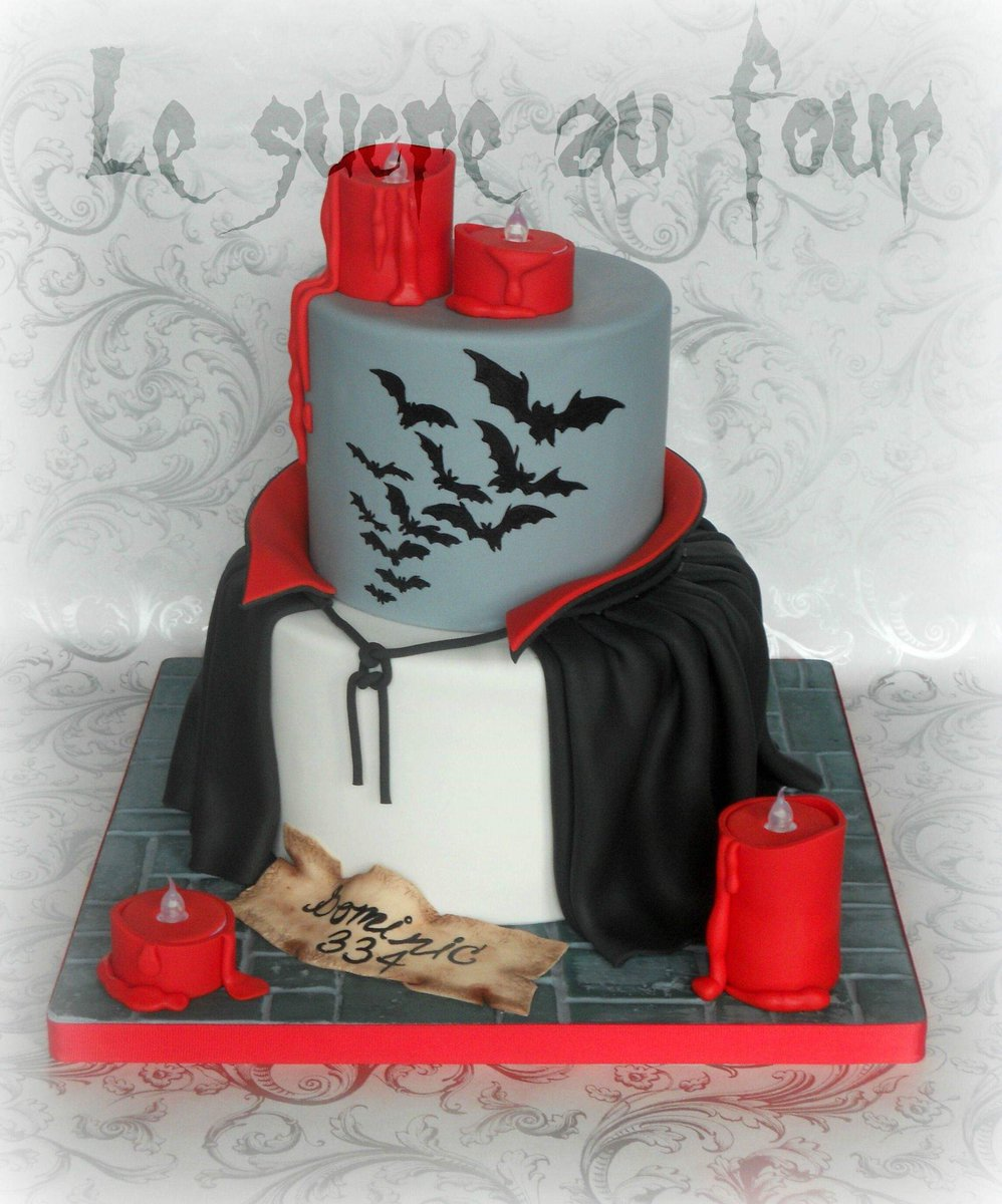 DRACULA inspired Cake by Le sucre au four. #GhastlyGastronomy <br>http://pic.twitter.com/XEfdWLlKxa
