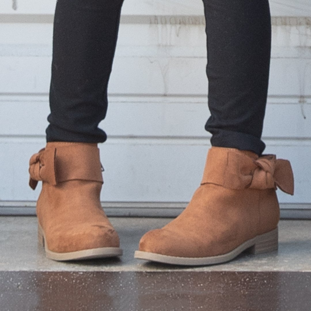 2ac22c35cb760 Payless ShoeSource ( PaylessInsider)