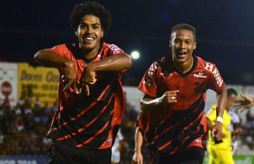 Futebol Tribuna PR's photo on Legião