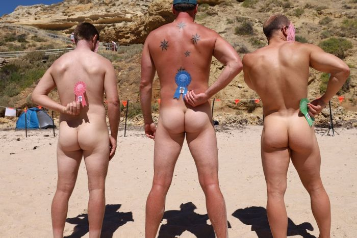 Nudists to converge on historic SA beach for annual #nude games https://t.co/8Om0Xuoucq #naturist