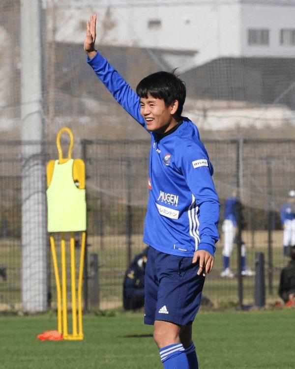 サッカー速報サカQ's photo on 横浜・久保