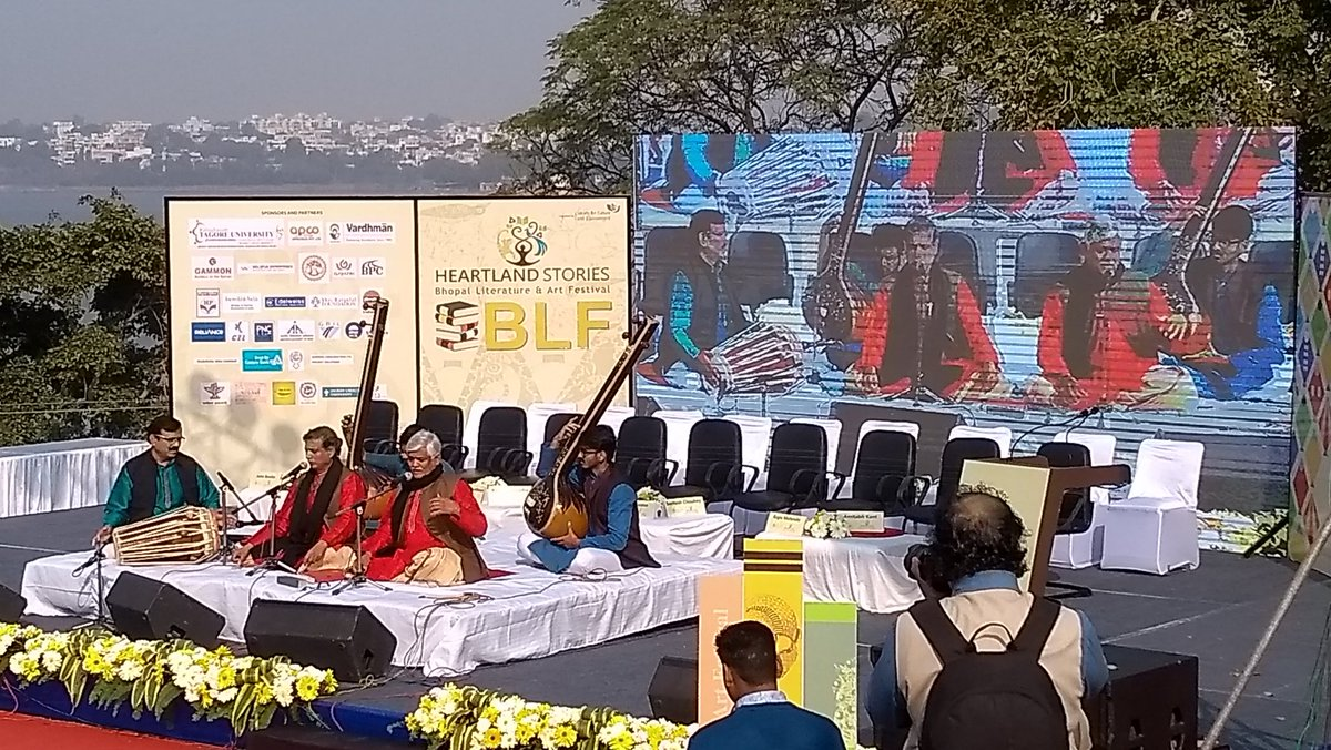 Exquisite rendition of #SaraswatiVandana by the #GundechaBandhu at #BopalLiteratureFestival #HeartlandStories