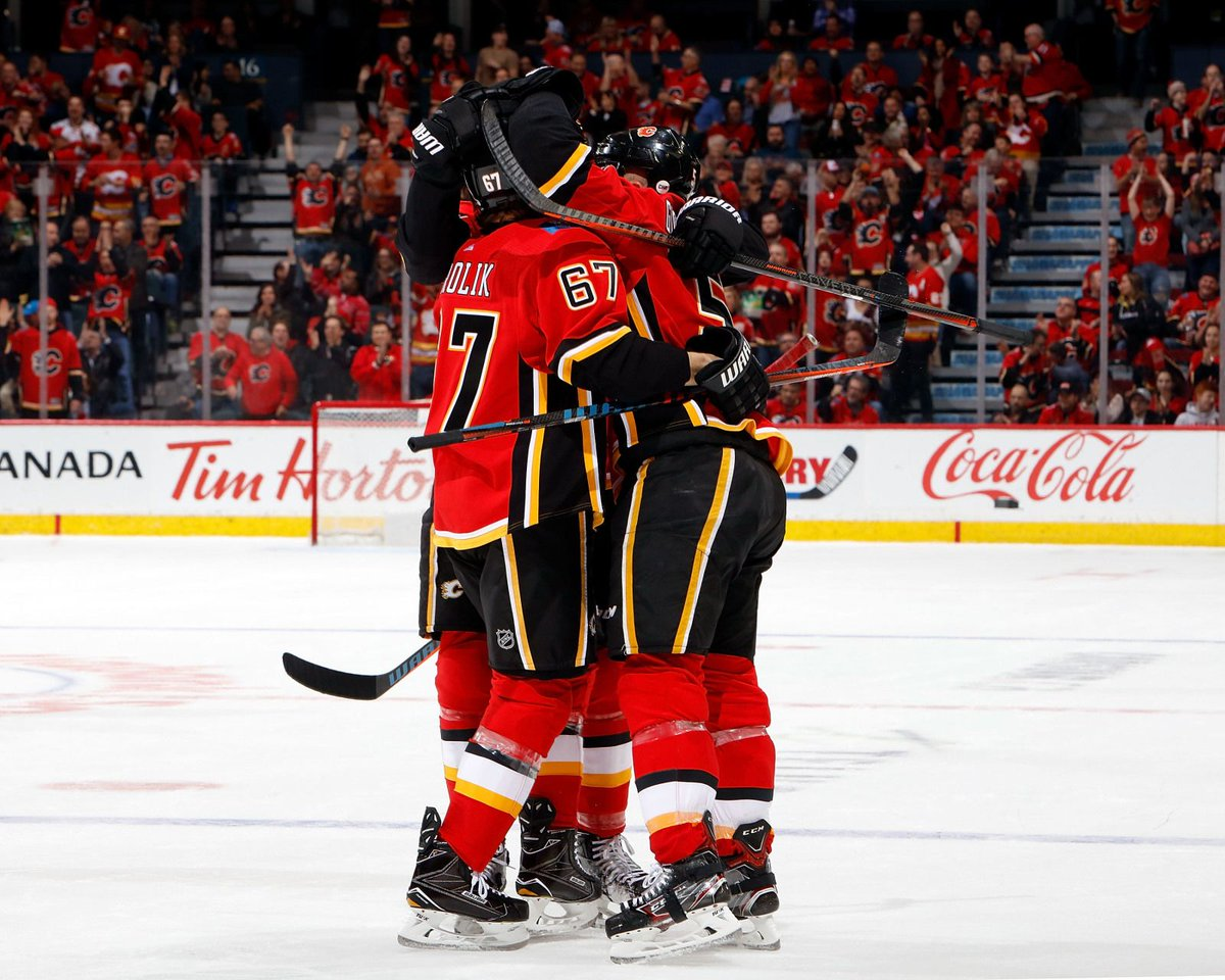Flames Report's photo on frolik
