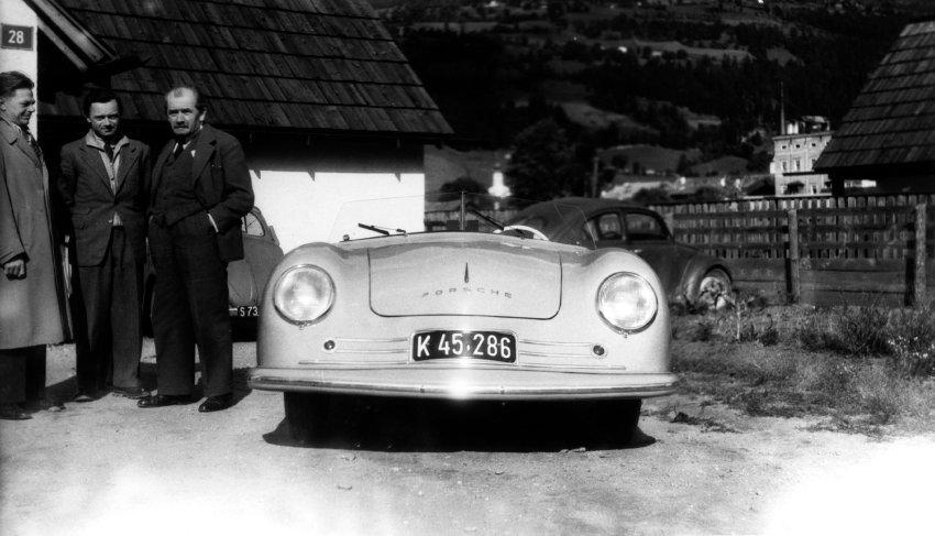 Techniker der Macht: Ingenieur Ferdinand Porsche legte der NS-Regierung heute vor 85 Jahren ein Exposé zum Bau eines Volkswagens vor, seine Firma florierte schnell als Rüstungsschmiede für die Nazis (aus dem @einestages-Archiv) https://t.co/7vC5Ck0PMf