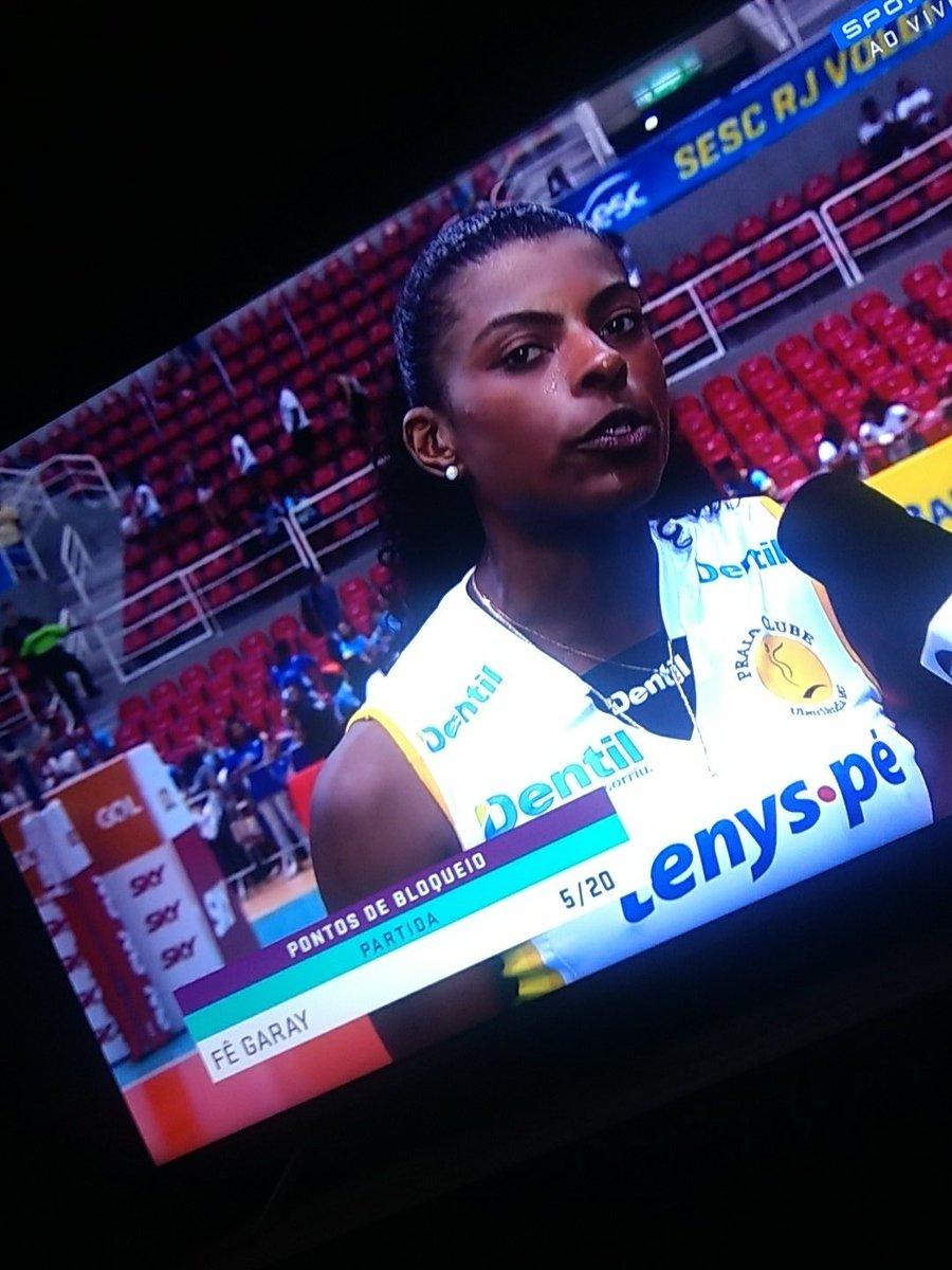 #VoleiNoSporTV  Você jogou muito Fernanda Garay Pra mim a melhor jogadora em quadra. Parabéns!! #PraiaClube pic.twitter.com/FEkYRE84ZB