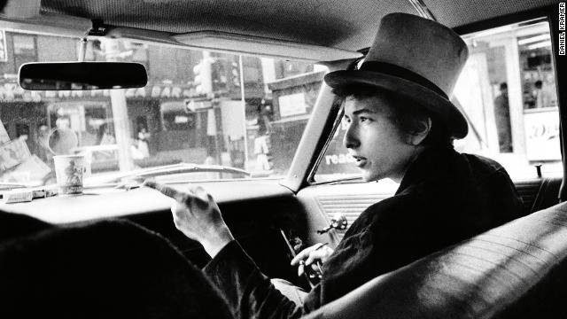 Here's a look at one of the most transformative years of Bob Dylan's career, in photos https://t.co/y5J68YvqmR https://t.co/OAj823ONKC