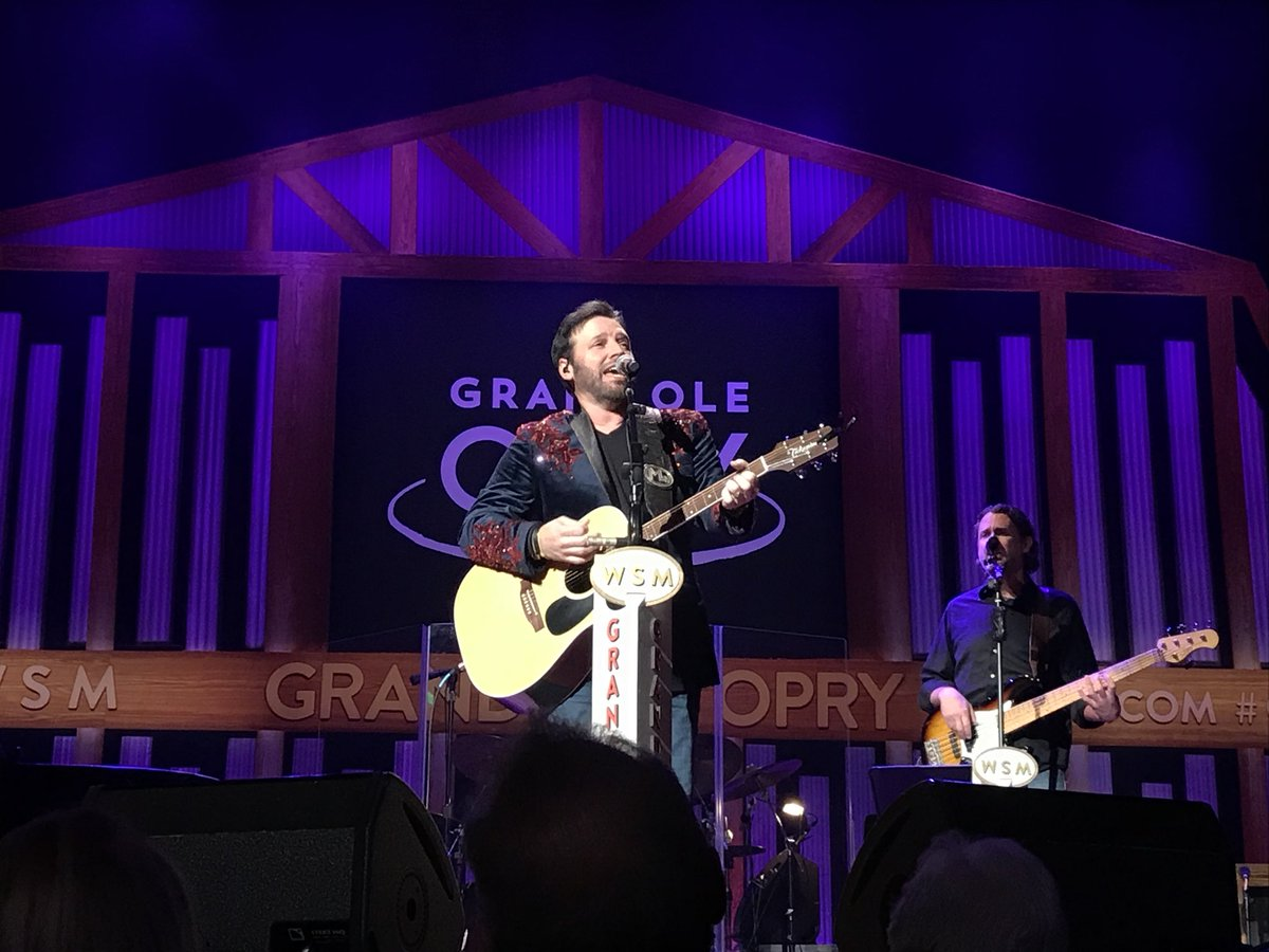 """You ever felt like you've wanted throw up in a good way? That's me. Right now."" Let's do this #OpryMember induction thing, @MarkWillsMusic! <br>http://pic.twitter.com/ybvkrCdnTb"