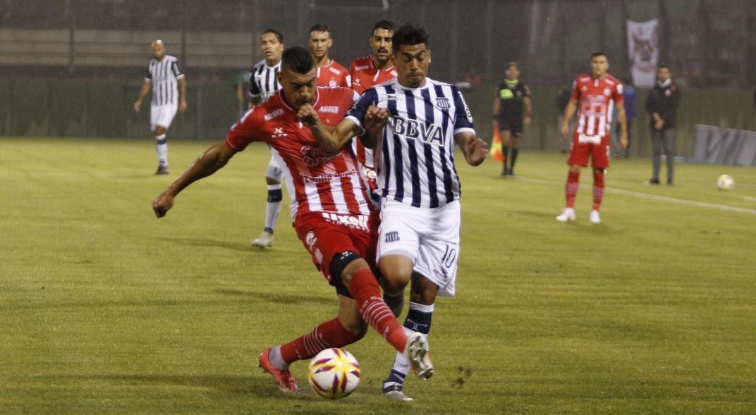El fútbol va con vos's photo on Junior Arias
