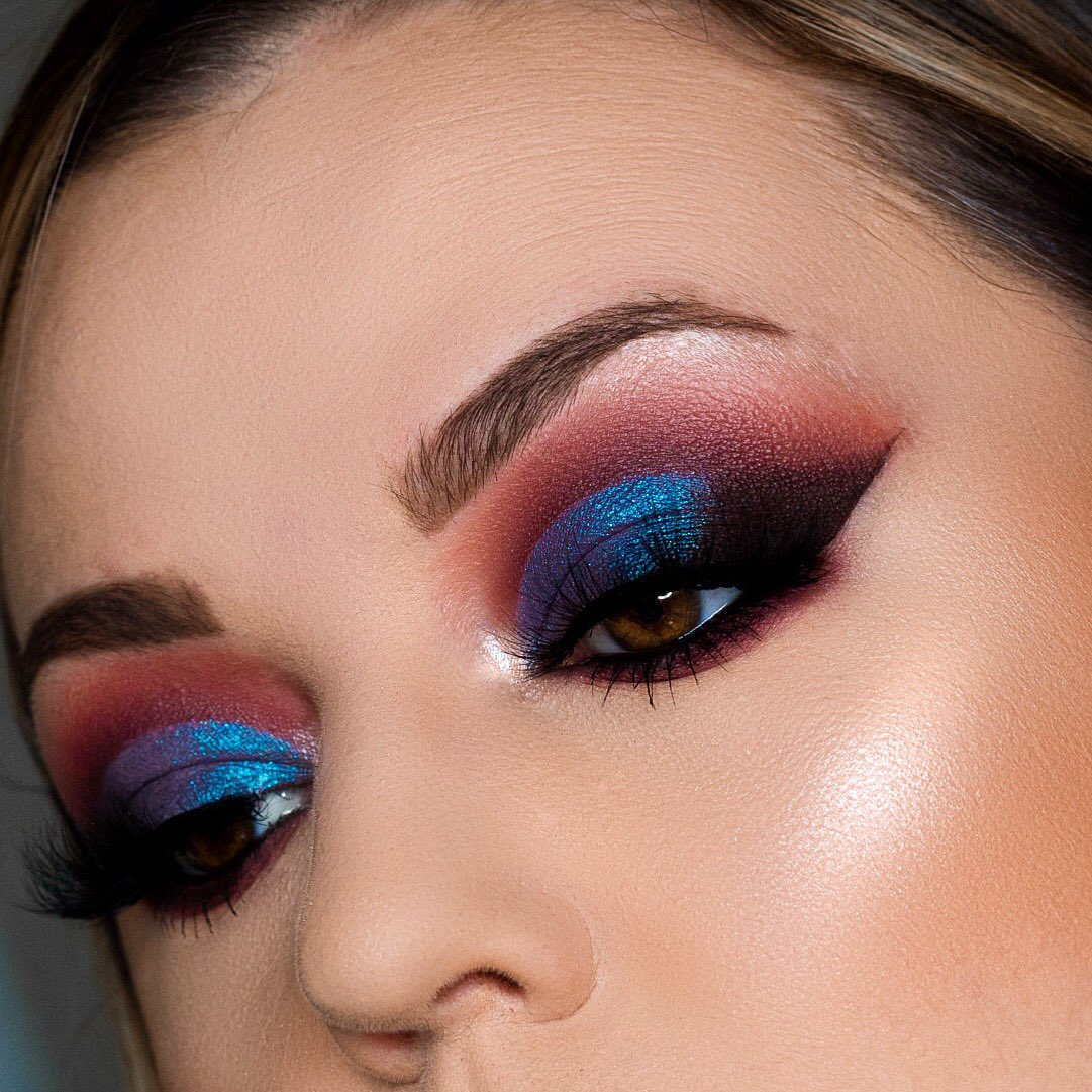 #FlashbackFriday to one of my favorite looks using the @MannyMua733 #LunarBeauty Greek Goddess Palette! I reach for this palette more than any other lately for my everyday makeup looks. #mannyMUA #greekgoddesscollection http://instagram.Com/kaitkmua