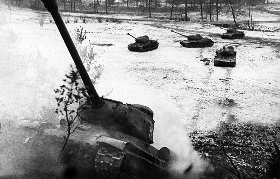 WWII Pictures's photo on offensive