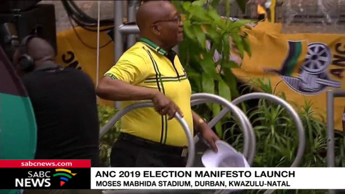 Former Presidents Jacob Zuma dancing on the stage