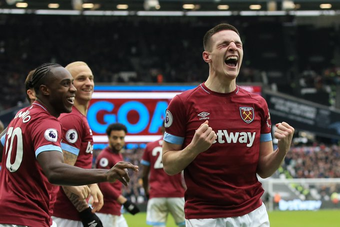 FULL-TIME West Ham 1-0 Arsenal Academy graduate Declan Rice scores his 1st #PL goal to give the Hammers victory in front of their record home crowd #WHUARS Photo