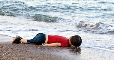 This's a dead refugee and the UN didn't even bother to see and grant others like him asylum<br>http://pic.twitter.com/5TYR7xYe6E