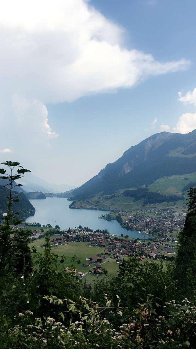 RT @o_30i: #اجمل_صوره_من_تصويرك #سويسرا ♥️#النمسا https://t.co/Nduzzj3lnJ