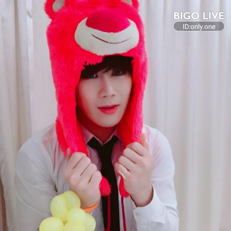 OMG! You have to see this. #BIGOLIVE.   https://t.co/sKCK8C5Nnq https://t.co/n9JXhHihe0