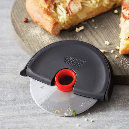 Surprises can be awesome &amp; shocking at the same time!   RT &amp; FOLLOW &amp; FB LIKE &amp; we&#39;ll surprise someone on Monday with our #free @JosephJoseph #prize !! #pizza #Competition #weekendvibes <br>http://pic.twitter.com/Hmx07z5Fif