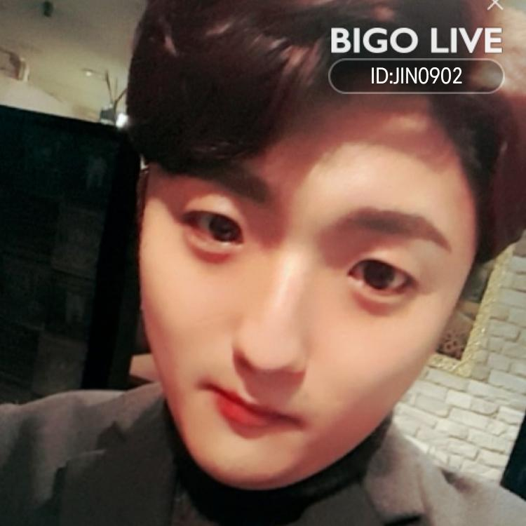 OMG! You have to see this. #BIGOLIVE.   https://t.co/88EVk3GDRE https://t.co/x12RZOPOu8