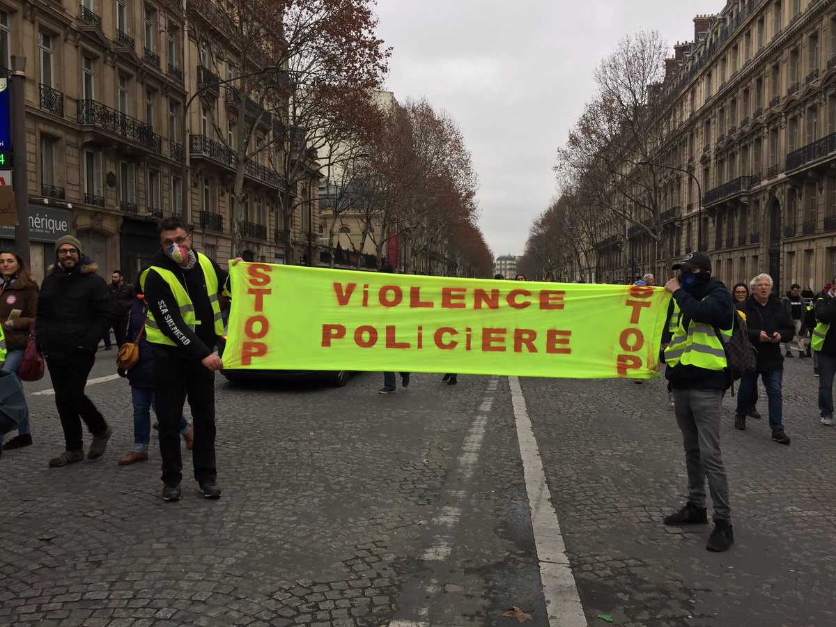 Gilets Jaunes Paris #Acte9✌�#ONLR #GiletsJaunes's photo on #12Janvier