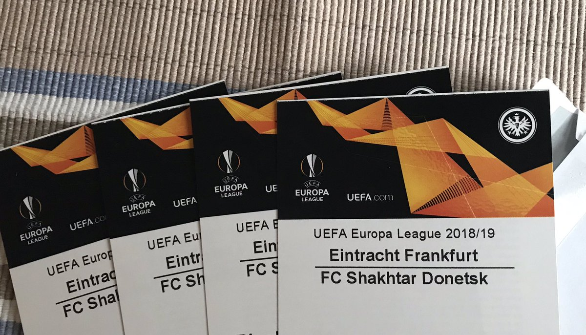 Traritrara die Post war da...!😍 #SGE #SGEuropa https://t.co/ns8bg3QUyP