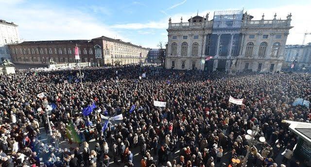 #SiTav #SITorinovaavanti Manifestazione Sì Torino va avanti Foto