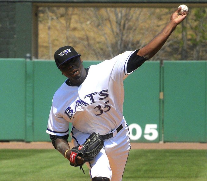 Today we send our Happy Birthday wishes to former Bat, Dontrelle Willis!