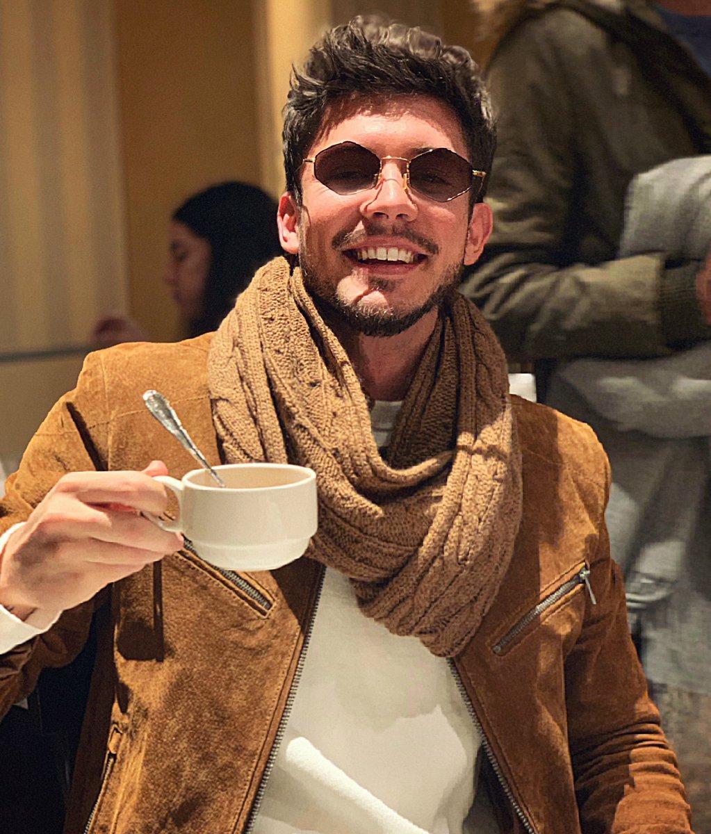 Buenos días, buenas tardes que más da. Nos vemos hoy en los #PremiosForqué en @rtve 👌🏼 https://t.co/2m0Yjtc4Ij