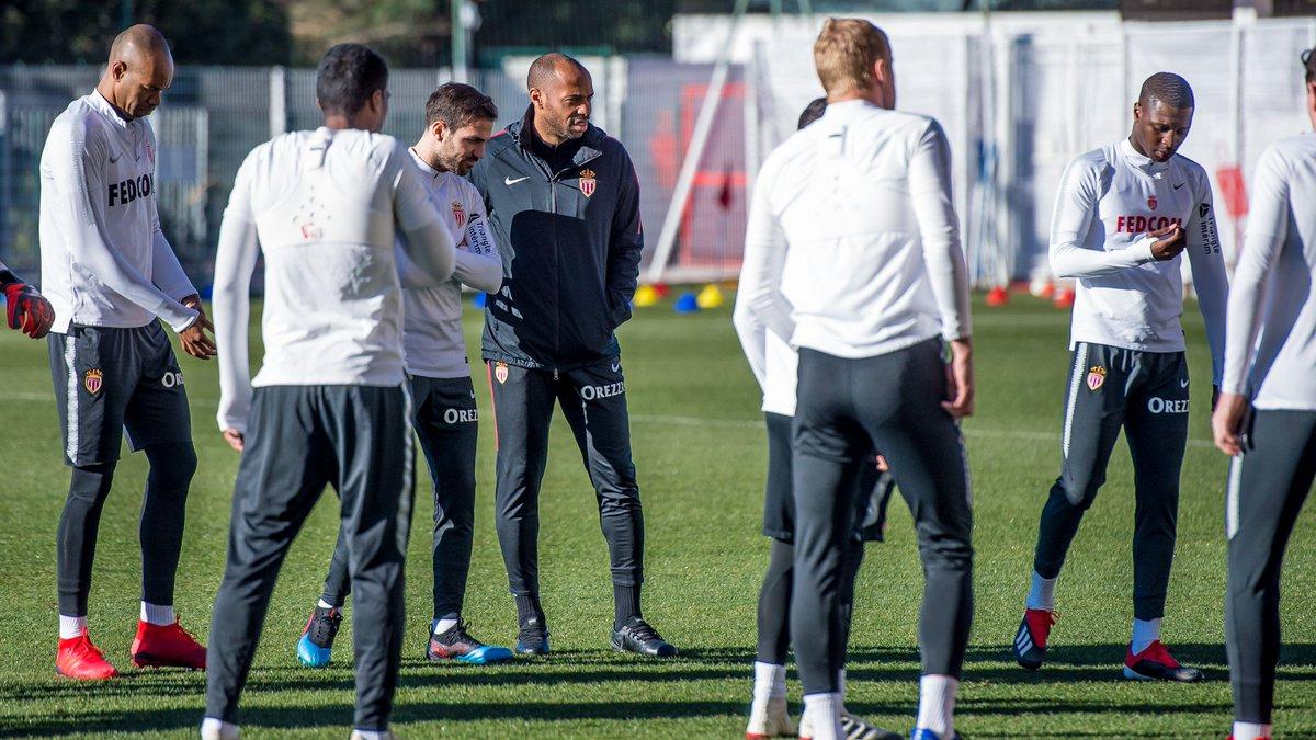 Thierry Henry estaría prácticamente fuera del Mónaco