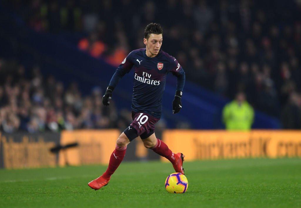 Arsenal FC �'s photo on Özil