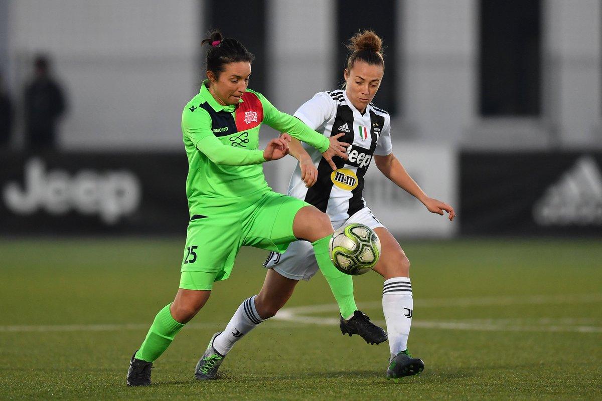 46' | The second half is underway!  #JuveFlorentia [1-0]  #ForzaJuve  #JuventusWomen
