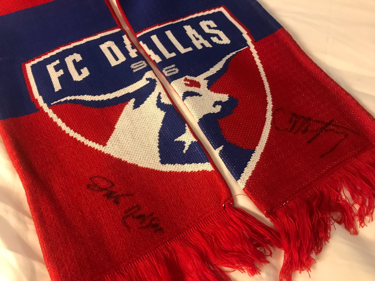 Want to win a scarf signed by our 2019 @MLS #SuperDraft picks, @C_Montgomery3 and @Nelson_J14? Just follow us and RT this photo! Winners will be chosen by 1/16!<br>http://pic.twitter.com/XbyXpO5p8R
