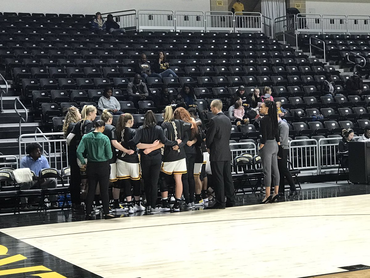 test Twitter Media - Here's the lineup as .@UMBCwbb takes on UMass Lowell   F- Moore  G- Rubio  G- Jackson  G- Oliver  F- Summers https://t.co/FYnEywBiFY