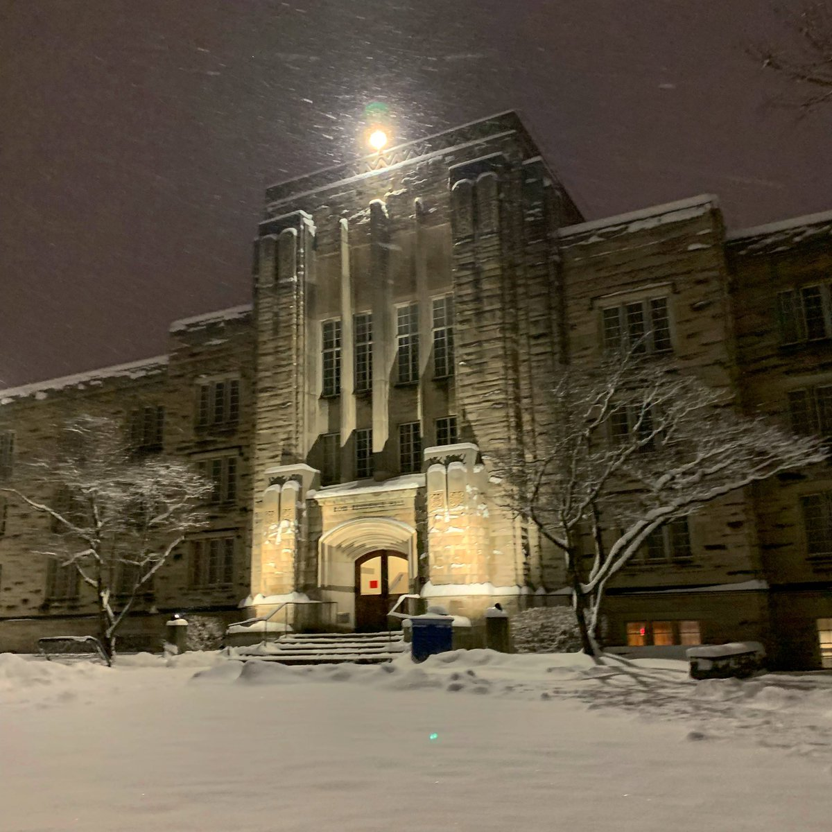 RT @butleru: ❄️❄️❄️ https://t.co/Az6eKg345K