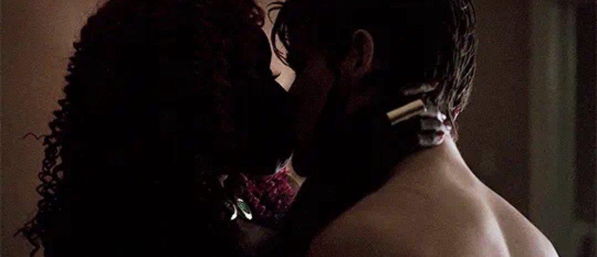 RT @starfiretalk: Happy #KissAGingerDay ❤️ https://t.co/TZW2vPldww