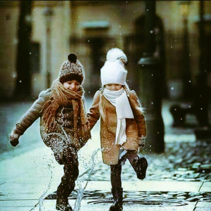 RT @yazannour1438: #هات_خاطره_حلوه . . وإذا صَفا لكَ من زمانِكَ واحِدٌ    فهو المُراد وعِش بذاكَ الواحدِ . . https://t.co/w9DGT0sioO