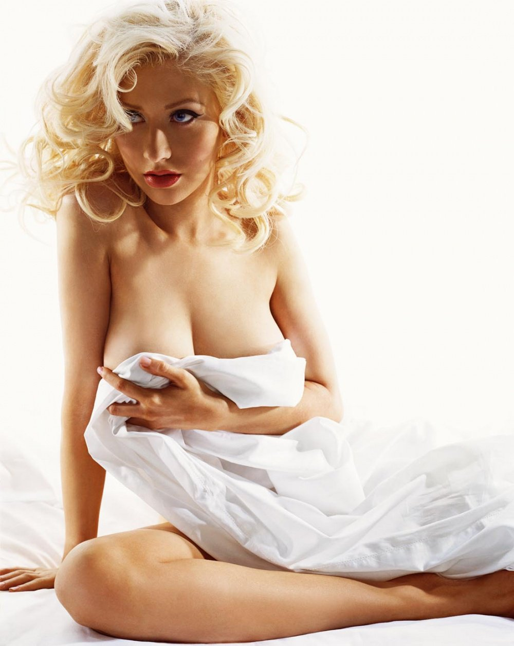 Christina aguilera naked in the streets — img 14