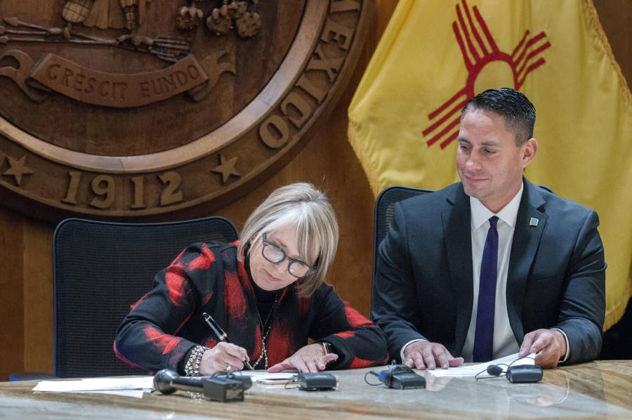We are following through on @GovMLG 's promise to end the use of #PARCC standardized test in #NM schools. In its place we're creating a fair assessment, and moving away from using test results as a punishment. Story today: https://bit.ly/2TLaPpY  #PEDMoonshot #nmpol #nmleg