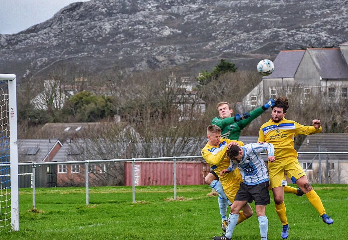 A tough afternoon at @TownHolyheadFC. Whilst there may have been an element of good fortune in the first goal; there were some crackers amongst the other four! Plenty of endeavour from the Amlwch lads but again nothing to show for it. We'll pick ourselves up & go again. 🔵 FT 5-0