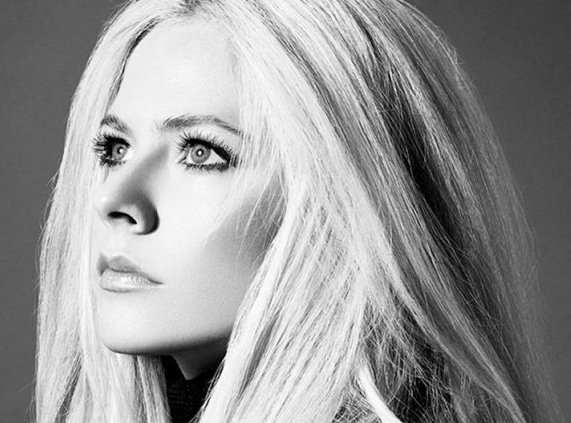 NOW PLAYING: @AvrilLavigne #HeadAboveWater  ~@CokaLani #WeekendVibes #Music #AvrilLavigne<br>http://pic.twitter.com/E8TeSGP4Um